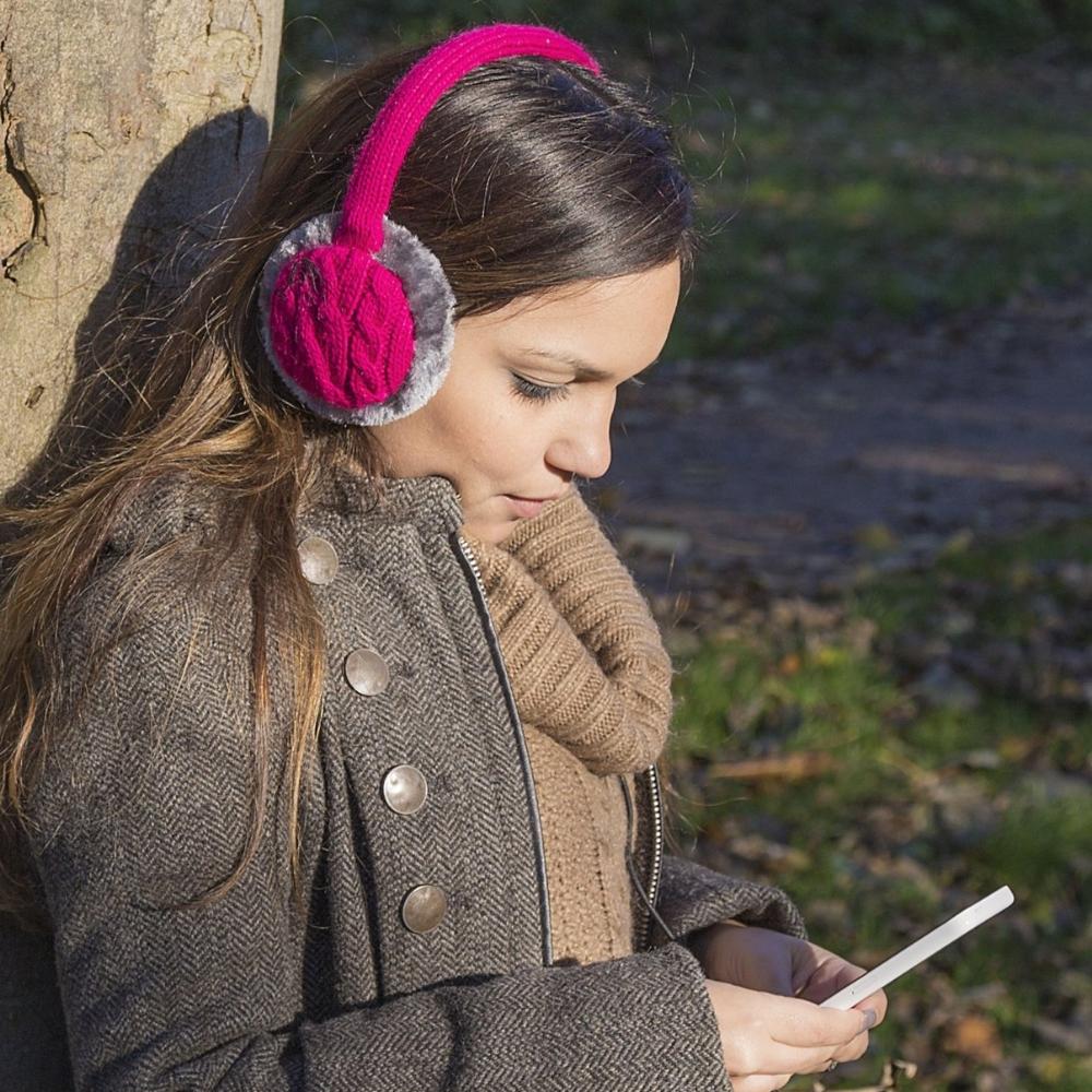 Aparatori urechi KitSound Chunky Knit, cablu cu mufa de 3.5mm, KSMFPIM Roz