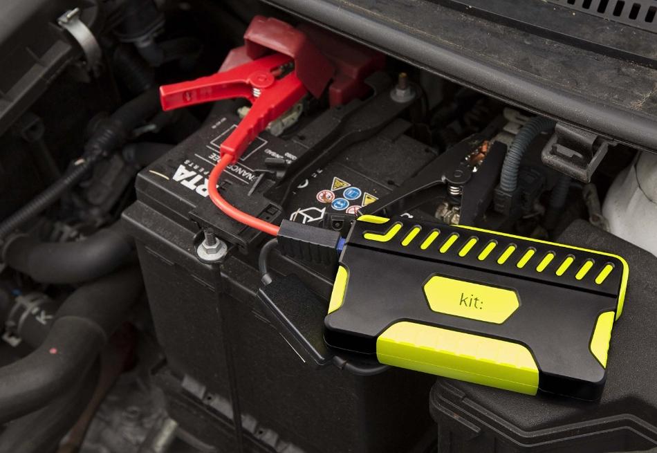 Incarcator portabil universal Kit Car Jump Starter 12000mAh, functie de pornire auto, PWRJUMP Black Green
