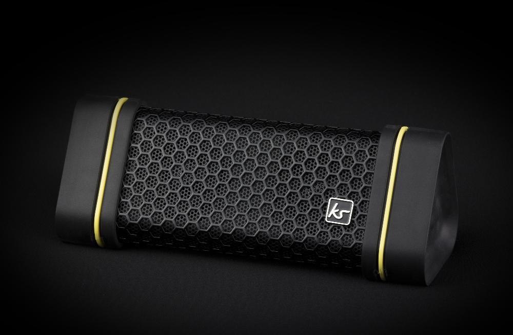 boxa-portabila-cu-bluetooth-kitsound-gravity-splashproof-ipx4-black-yellow-2